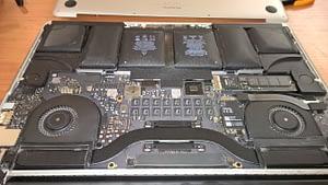 Portatīvā datora akumulatora maiņa