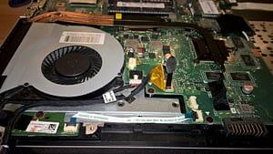 Iztīrīts portatīvais dators