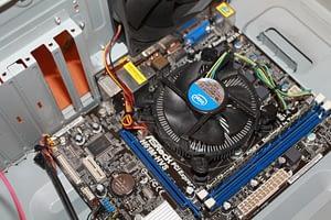 Datora tīrīšana no putekļiem IT KATRAM